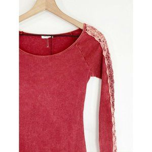 Bear Dance Red Ribbed Top L Scoop Neck Lace Trim